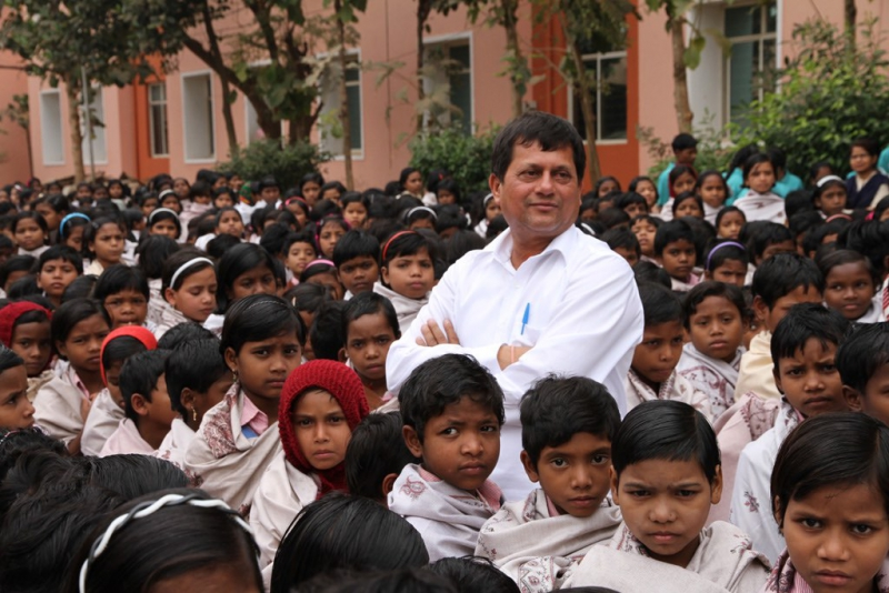 Achyuta Samanta with KISS Students